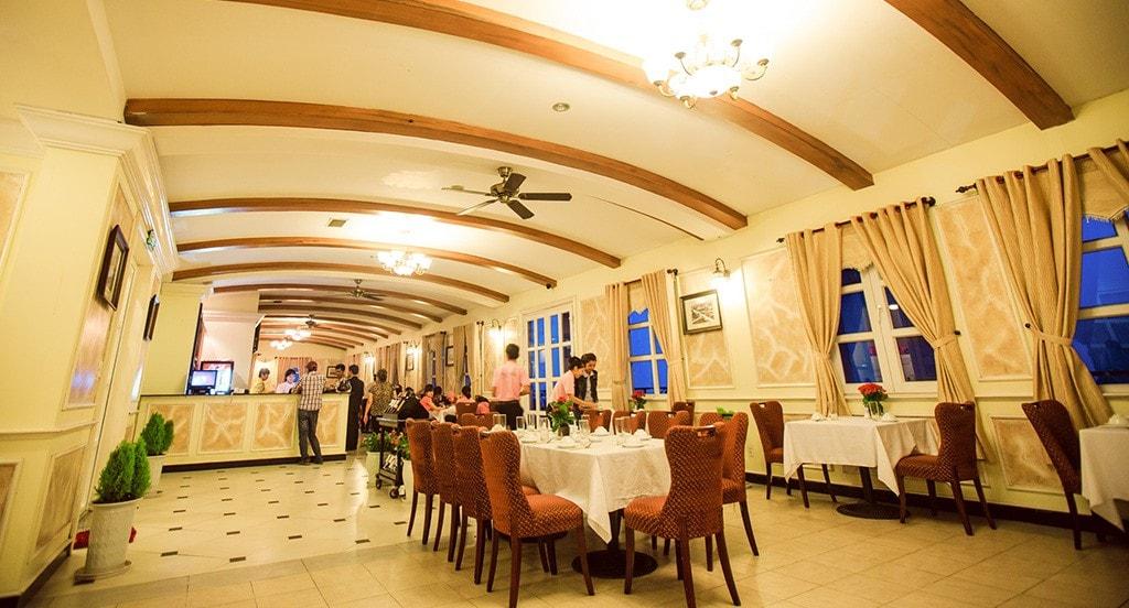 Nhà hàng ở Bà Nà